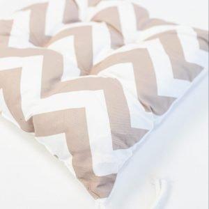 Gezwollen stoelkussen Berta - zigzag patronen taupe
