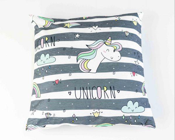 Chenille sierkussensloop Janja - Unicorn op strepen patroon